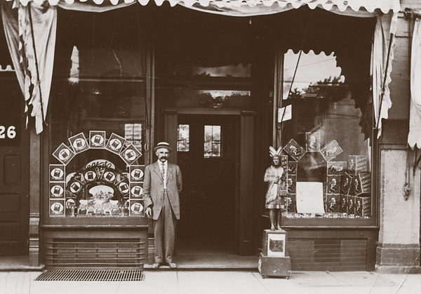 cigar_shop_storefront_man