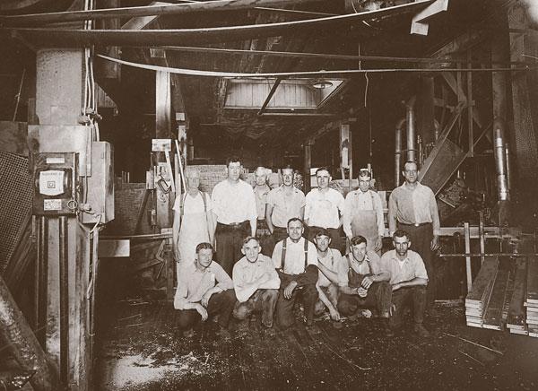 interior_men_production