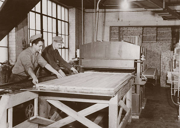 men_cutting_board